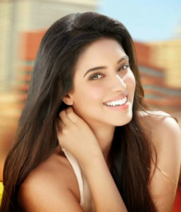 Asin Age, Weight, Body Measurement, Husband, Family.
