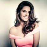 Esha Gupta Hot, Instagram, Movie, Songs, Twitter, Family & Wiki