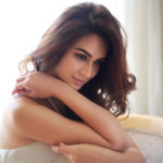 Kriti Kharbanda Age, Movie, Family, Husband, Affairs, Social Profile & Biography.