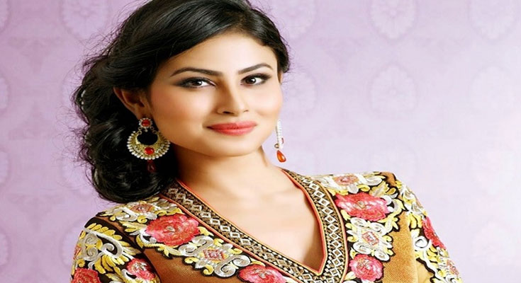 Mouni Roy Bra Size, Age, Weight, Height, Measurements