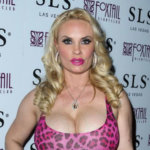 Coco Austin Body, Age, Height, Wiki, Husband, Family, Net Worth.